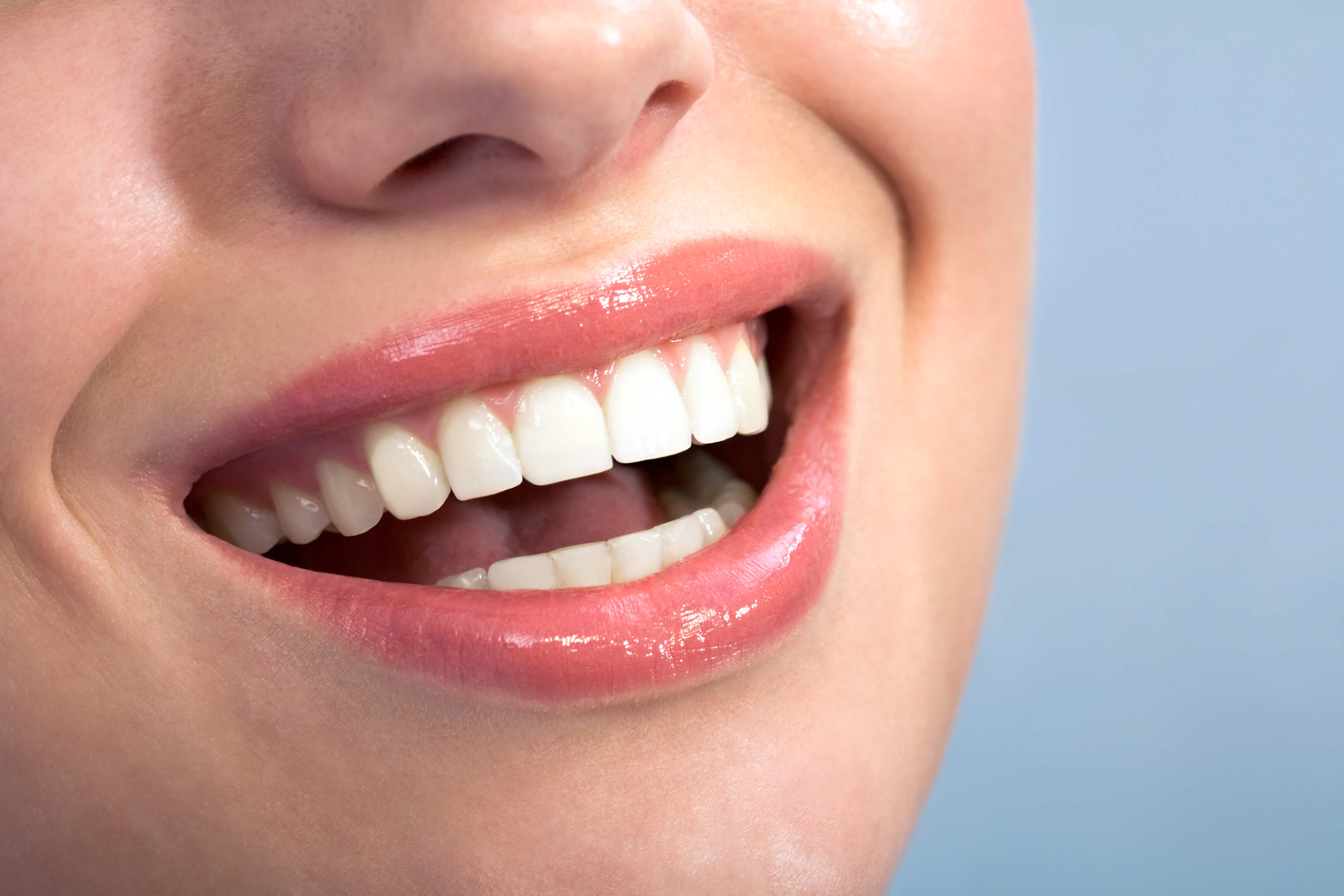 Symmetry facial cosmetic dentist